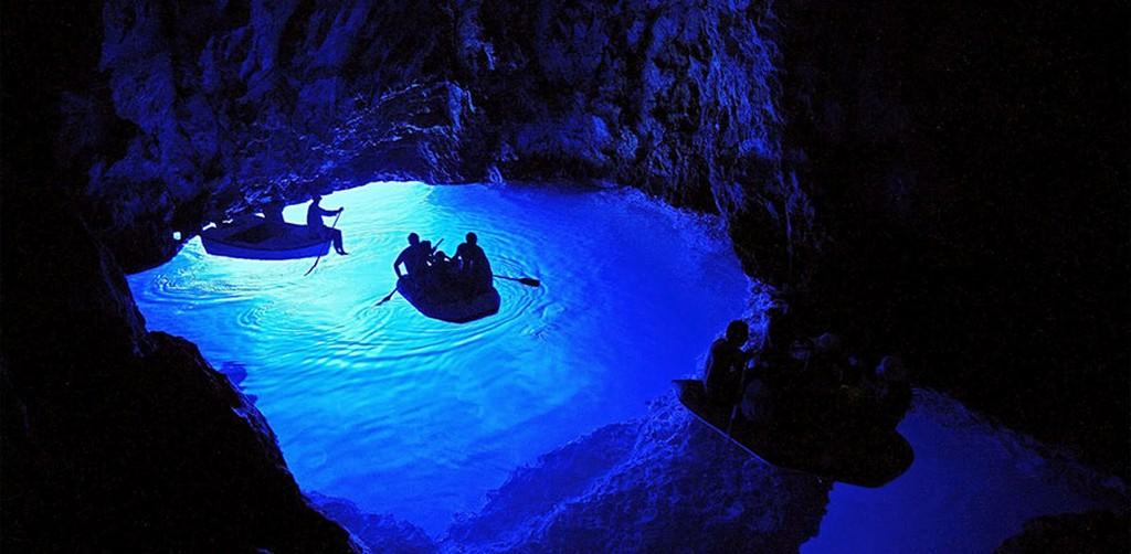 trip blue grotto vis hvar